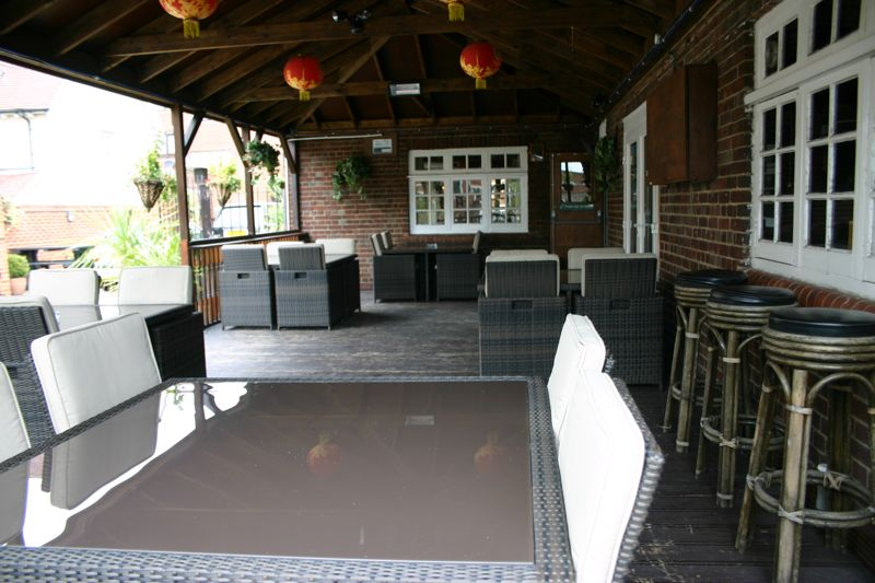 image showing Modern outside dining furniture - Enjoy eating and drinking in the great outdoors